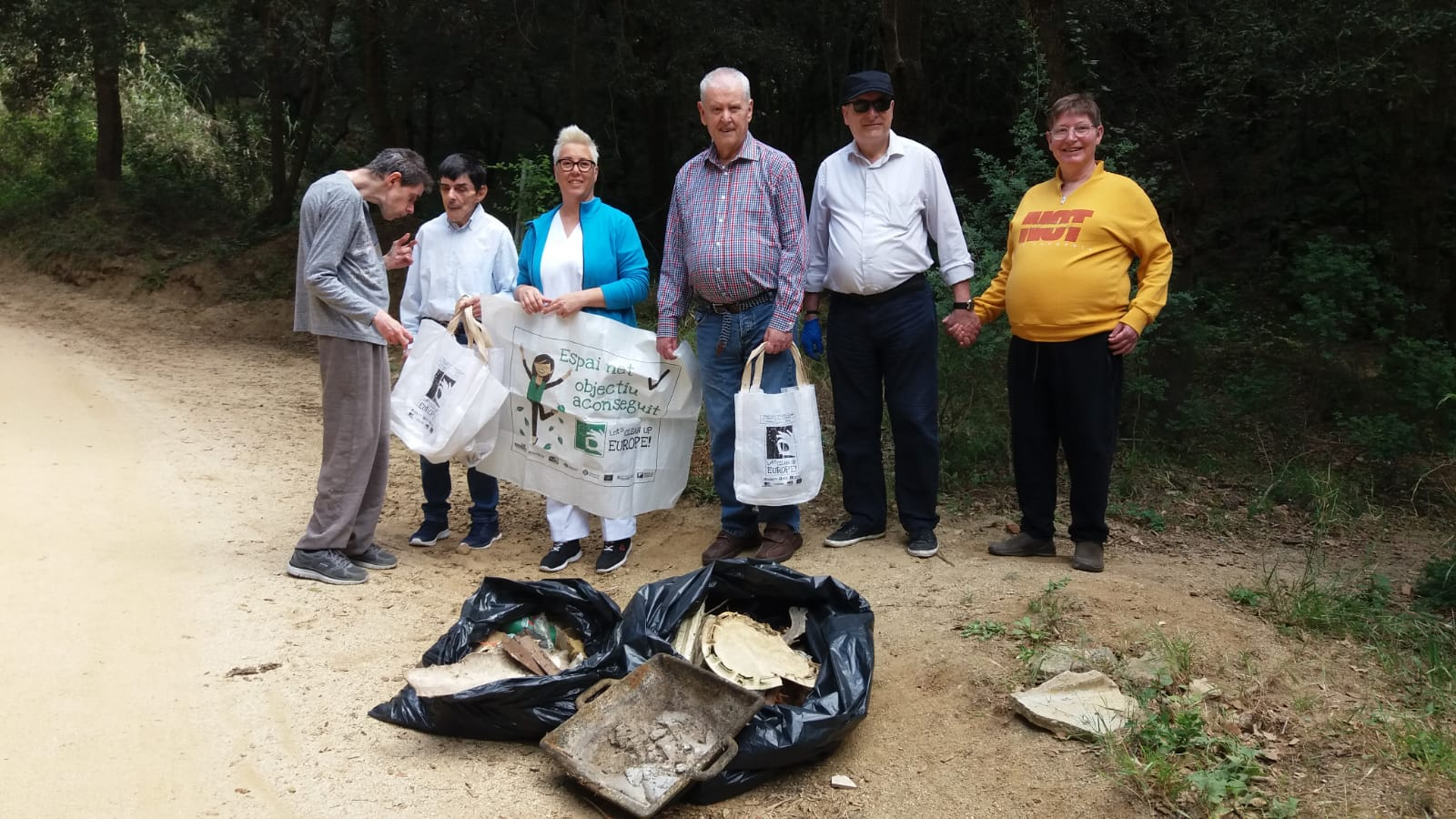clean up creu blanca